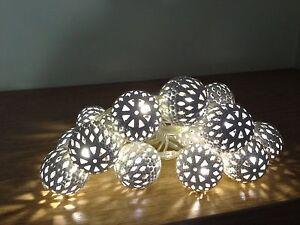 Stunning-15-Ivory-Cream-Moroccan-Ball-String-Fairy-Lights-Wedding-Table