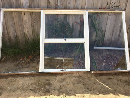 Wooden windows and 3 mm glass