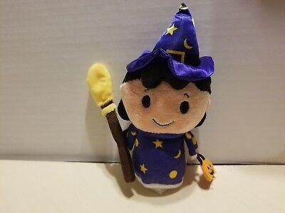 Halloween Surprise (Hallmark Itty Bitty Halloween Surprise Peanuts Lucy)