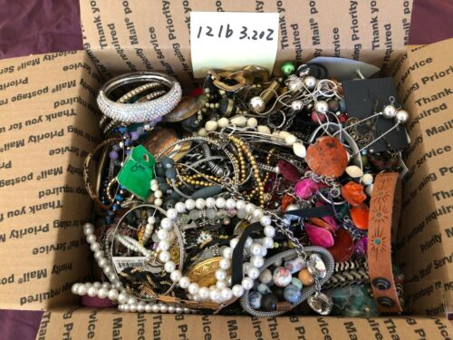 Jewelry Lot Box 12 lb 3.20 oz Vin to Now Craft Re-purpose Junk Wear Handcraft #4