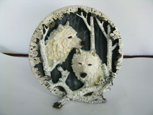 Beautiful Decorative 3D White Wolf Black Nose Figurine Country Statue Plate