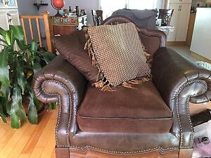 Couch to sell