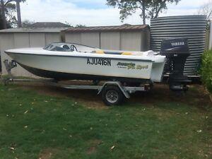 Aussie pro 1850 ski boat