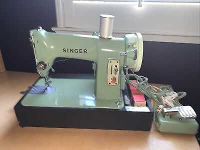 Vintage Singer Sewing Machine 185J W/Case and Pedal
