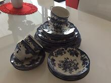 Enoch Wedgwood Dinner Set (24 piece) Mango Hill Pine Rivers Area Preview