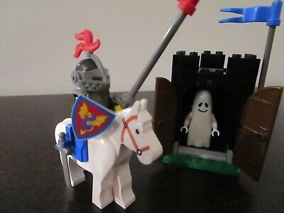 Vintage (1990) LEGO Castle Knights set 6034 Black Monarch's Ghost - VERY RARE