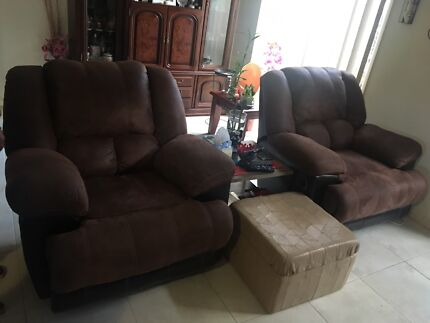 2 comfy rocking recliners & Red comfy recliners | Armchairs | Gumtree Australia Gold Coast ... islam-shia.org
