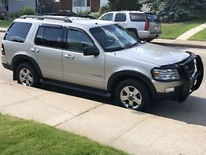 2008 Ford Explorer XLT ~ 4x4 ~ V6 ~ 7 Seats ~ Well Maintained
