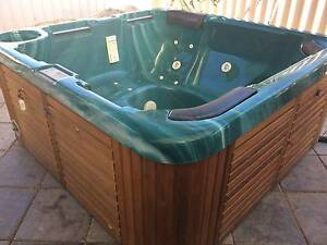 5 Person Spa with Gas Heater Seaford Morphett Vale Area Preview