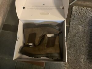 Size 10 casual boots Unisex