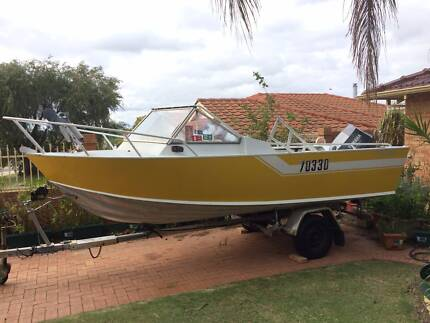 16ft PENGUIN RUNABOUT ALUMINIUM BOAT WITH 90HP STROKE OUTBOARD.