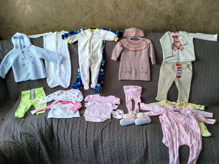 Baby girl winter clothes bundle condition like new size 3-12 mnts