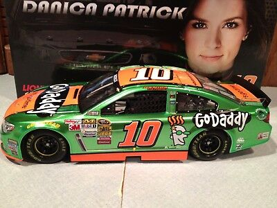 2014 Action Danica Patrick  10 Godaddy 1 24 Liquid Paint 1 Of 180