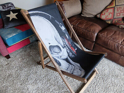 Lazy Days Skull print deckchair wooden beach chair