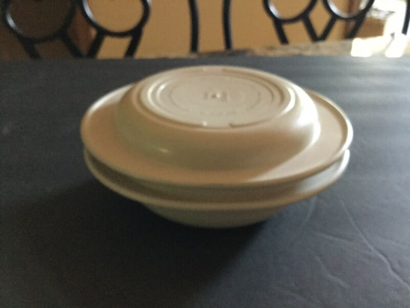 Vtg Tupperware Ultra 21 Oven/Microwave 1 & 2 Cup Casserole Dish Bowl 1748 1749