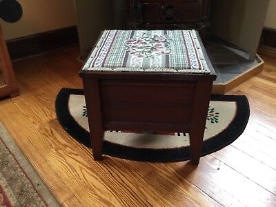 Antique Pine Wooden Commode Potty Chamber Pot with Porcelain Pot