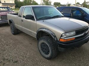 1999 Chevrolet ZR2 S-10 for parts
