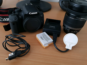 Canon 700d with (18-200) zoom lens and accessories Kuraby Brisbane South West Preview