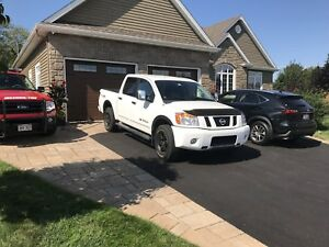 REDUCED 2012 Nissan Titan Pro4X
