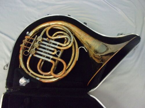 QUALITY! READY TO PLAY! AMBASSADOR F. E. OLDS FRENCH HORN + MOUTHPIECE + CASE