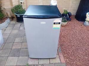 Homemaker Freezer   four star rating Greenfields Mandurah Area Preview