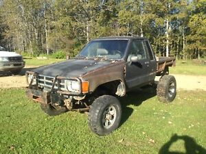 TOYOTA 4wd PICKUP PACKAGE DEAL