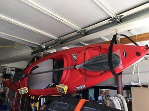 New Pelican summit 100x kayak plus paddle