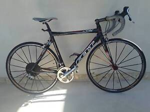 Felt F2 Road Race bike