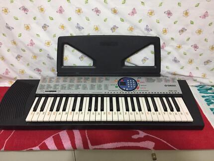 Yamaha Keyboard (great condition)