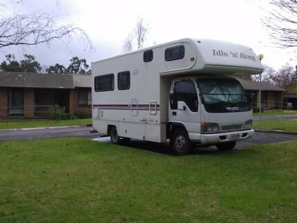 1998 Winnebago House on Isuzu 250 NPR Truck 3.4m high