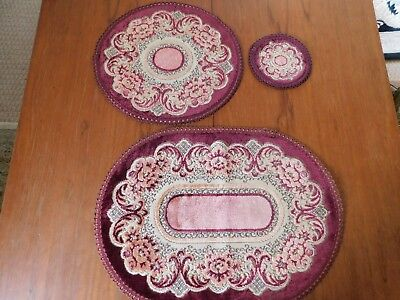 Vintage table mats burgundy pink and beige with gold thread set of 3  - Pink And Gold Table Setting