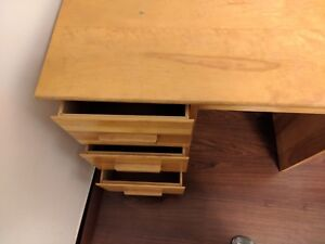 Sturdy and durable study table!