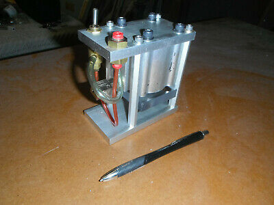 Pneumatic Press With Toggle Switch 2451