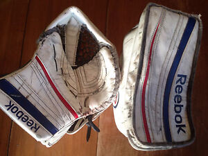 Reebok Premier 4 Goalie Gloves Kitchener / Waterloo Kitchener Area image 5