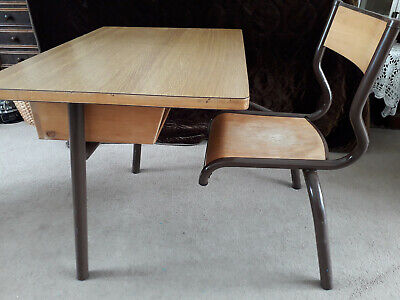 VINTAGE FRENCH SCHOOL DESK & CHAIR INDUSTRIAL STYLE CHILDS DESK AGE 2/7 YR GOOD