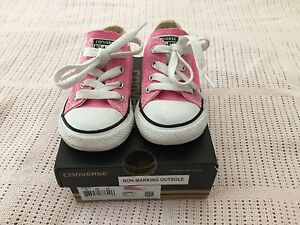 Toddlers/infant pink Converse Shoes ~Size 6~ Macquarie Fields Campbelltown Area Preview