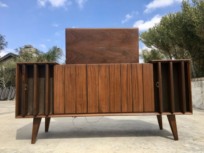 Mid Century Modern Zenith  Stereo Console