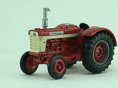 1/64 ERTL INTERNATIONAL 660 1999 NATIONAL FARM TOY SHOW TRACTOR