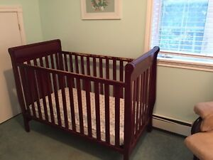 Crib brown solid wood Graco baby bed furniture