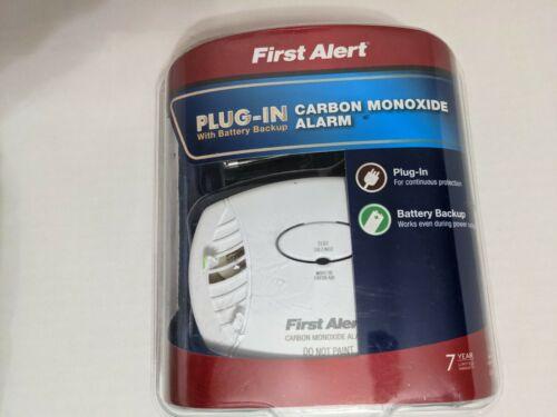 First Alert CO605 Carbon Monoxide Plug In Alarm W/ Battery B