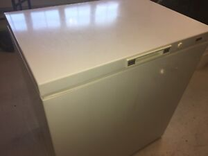 Kenmore chest freezer VG condition