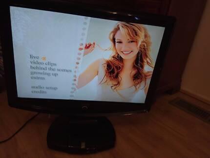 SONIQ iv22OT 22 inch TV with DVD player (no remote)