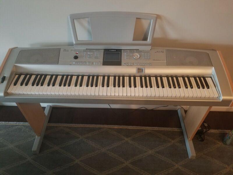 Yamaha DGX-505 88-Key Electronic Portable Grand Digital Keyboard Piano Awesome!