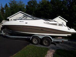 2009 Yamaha 232 Limited Jet Boat
