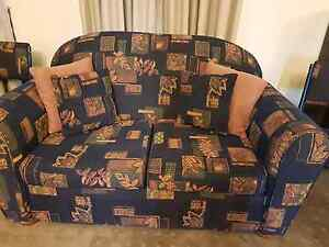 Lounge suite exellect quality fabric arm chairs, 2 and 3 seaters Armidale Armidale City Preview