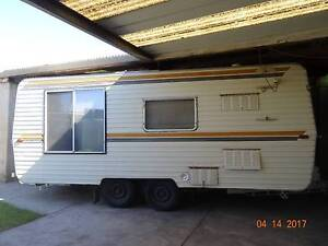 1987 Male trail 18ft dual axle carvan Huntfield Heights Morphett Vale Area Preview