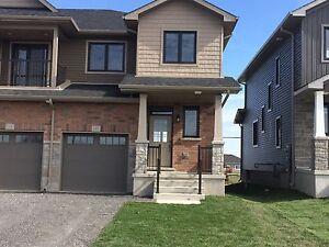 NEWLY BUILT TOWNHOME IN AMHERSTVIEW! 120 Dr. Richard James Cr