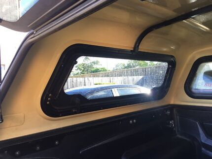 Wanted: 2009 genuine Toyota hilux canopy 1300 Ono