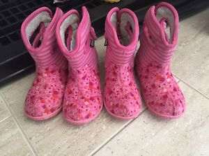 Toddler Girl Bogs- size 9
