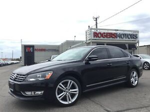 2013 Volkswagen Passat 2.5 - 5SPD - NAVI - LEATHER - SUNROOF